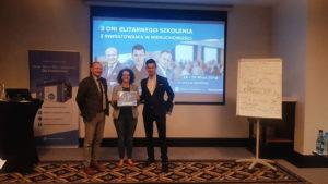 Rozdanie certyfikatów podczas IV szkolenia z inwestowania w nieruchomości 13