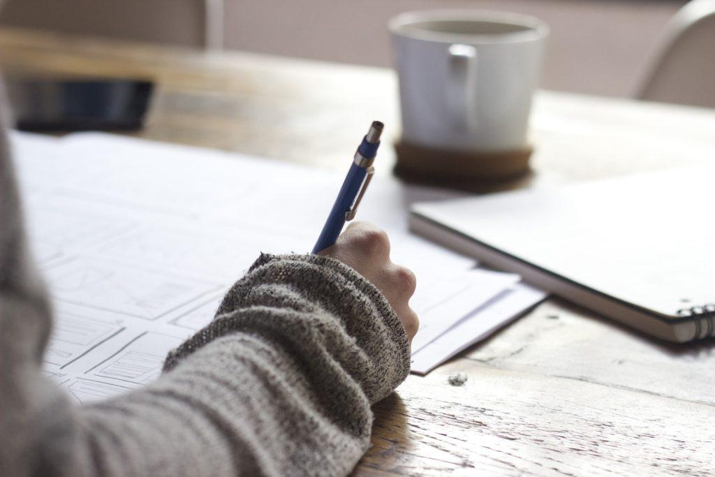 podpisanie protokołu zdawczo-odbiorczego wynajmowanego mieszkania